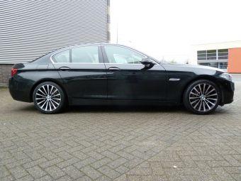 Borbet BLX zwart gepolijst 19 inch onder een BMW 5 serie