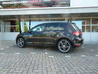 Niu wheels Ingolstadt antaciet gepolijst 18 inch velgen gemonteerd onder een VW Golf 7