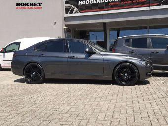 BORBET VELGEN XRT 20 INCH BLACK GEMONTEERD ONDER EEN BMW 3 SERIE