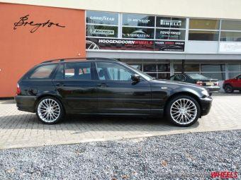 Breyton wheels type LS hyper zilver gemonteerd in 18 inch onder een BMW 3 serie
