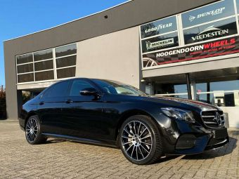 GMP WHEELS ITALY STELLAR BLACK POLISHED IN 19 INCH BREEDSET GEMONTEERD ONDER EEN MERCEDES E KLASSE