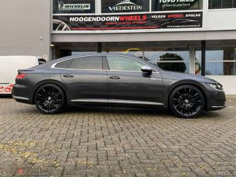 MONACO WHEELS IN 20 INCH BLACK GEMONTEERD ONDER EEN VW ARTEON