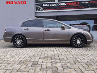 MONACO WHEELS FORMULA BLACK POLISHED 18 INCH GEMONTEERD ONDER EEN HONDA CIVIC