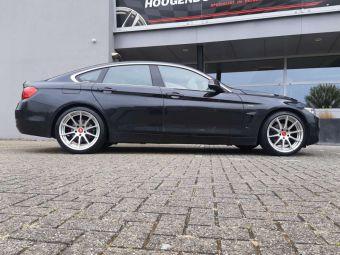 TEC SPEEDWHEELS GT7 HYPER SILVER  GEMONTEERD ONDER EEN BMW 4 SERIE