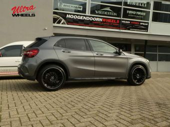 ULTRA WHEELS SPEED DEDICATED OEM MERCEDES GEMONTEERD ONDER EEN MERCEDES GLA KLASSE