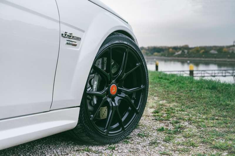Mercedes_Benz_C63_AMG_Vorsteiner_V_FF_103_Flow_Forged_Wheels_3_HOOGENDOORNWHEELS_ZUIDLAND_02